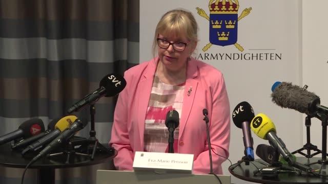 vídeos de stock, filmes e b-roll de la justicia sueca anuncio el lunes la reapertura del caso de 2010 por presunta violacion contra el fundador de wikileaks julian assange con la... - fundador