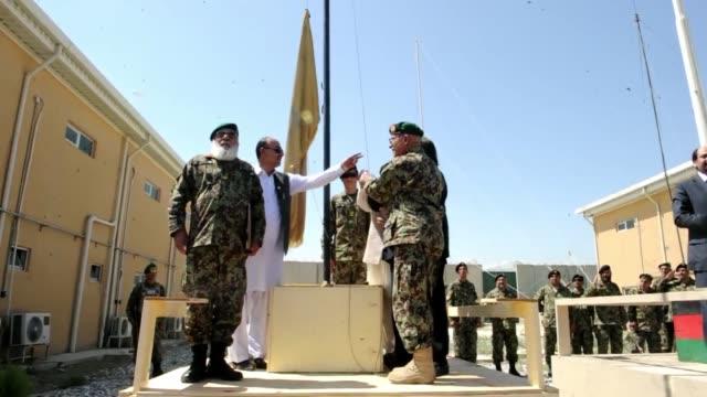 la llaman la 'guantanamo afgana' voiced eeuu transfiere prision a kabul on september 10 2012 in bagram afghanistan - bagram stock videos & royalty-free footage