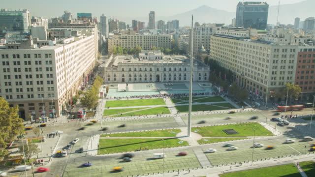 vidéos et rushes de la moneda - bâtiment du parlement