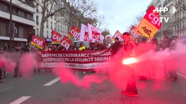 la movilizacion en francia contra una reforma de las pensiones cumple el sabado su tercer dia con el pais semiparalizado por huelgas especialmente de... - sindicatos stock videos & royalty-free footage