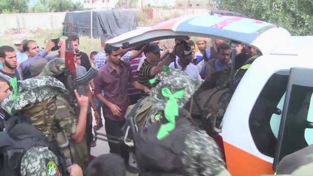 La ola de violencia entre israelies y palestinos se extendió a la Franja de Gaza donde sigue en aumento el numero de muertos por disparos del...