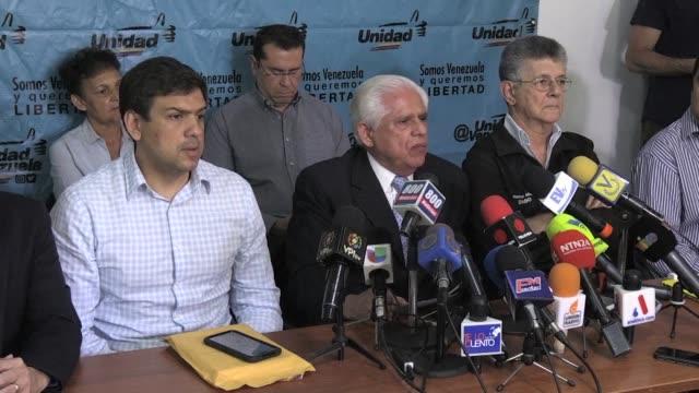 la oposicion en venezuela pidio el miercoles aumentar la presion internacional para abrir un canal humanitario que permita la entrada de alimentos y... - entrada stock videos and b-roll footage