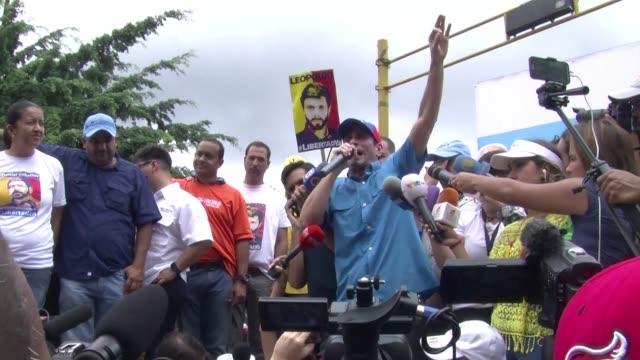 La oposicion venezolana advirtio este sabado sobre un estallido social en el pais si el gobierno bloquea un referendo revocatorio contra el...