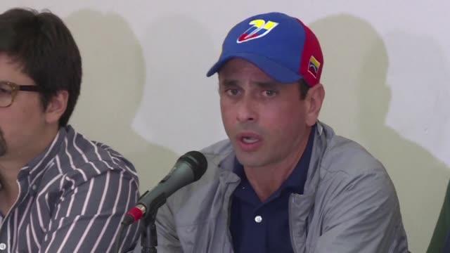 La oposicion venezolana hizo un llamado a las autoridades para que se mantenga el proceso hacia un referendo revocatorio contra el presidente Nicolas...