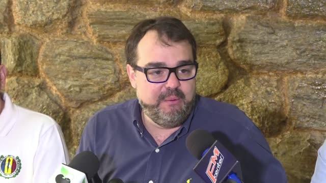 vídeos y material grabado en eventos de stock de la oposicion venezolana no reabrira los dialogos con el gobierno de nicolas maduro pero estudiara la propuesta internacional de los facilitadores... - política y gobierno