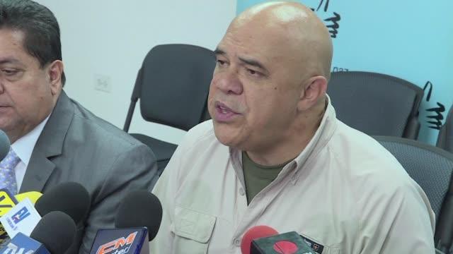 La oposicion venezolana se pronuncio el jueves contra la Cumbre de Paises No Alineados y demando condiciones para la recoleccion de firmas necesarias...