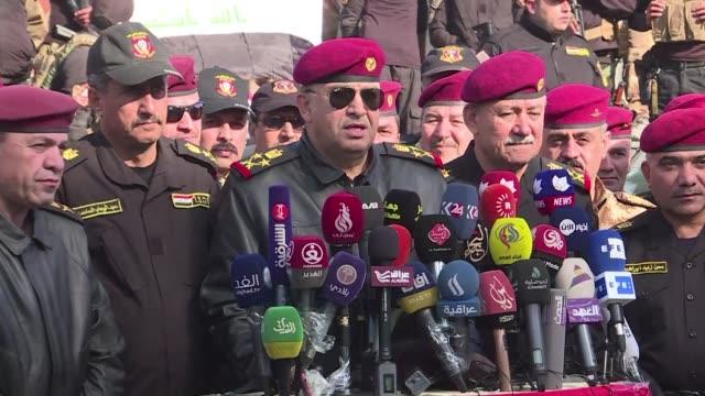la parte oriental del mosul fue liberada el miercoles por las fuerzas iraquies despues de tres meses del inicio de la ofensiva para arrebatar la... - irak stock videos and b-roll footage
