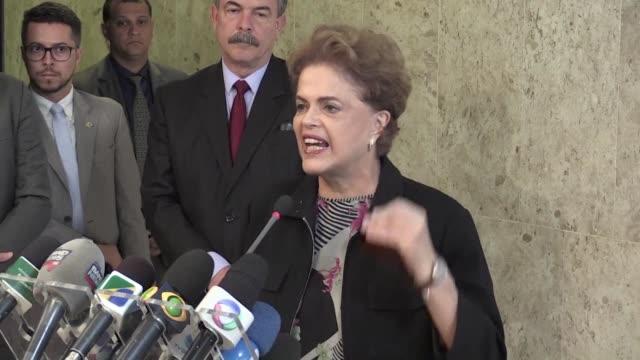 la presidenta brasilena dilma rousseff aseguro este viernes que no hay base real que justifique su pedido de salida del gobierno en momentos en que... - parte de una serie video stock e b–roll