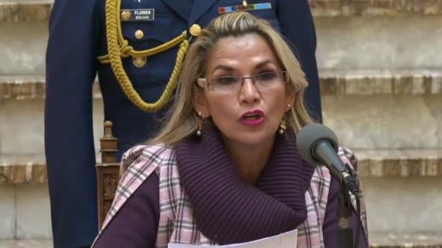la presidenta interina de bolivia jeanine anez envio el miercoles al congreso un proyecto de ley para convocar a elecciones generales un mes despues... - congreso stock videos and b-roll footage