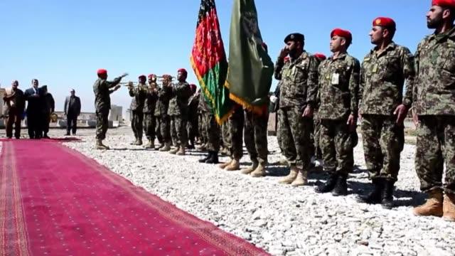 la prision de bagram conocida como la guantanamo afgana paso oficialmente este lunes a manos de las autoridades locales voiced prision bagram a... - bagram stock videos & royalty-free footage
