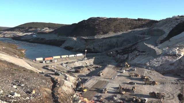 la provincia de quebec comienza la construccion de la cuarta y ultima represa para concluir una multimillonaria obra con la que se convertiria en la... - québec provincia video stock e b–roll