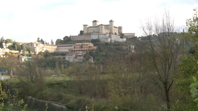 wgn la rocca albornoz fortress in spoleto italy on nov 18 2016 - ペルージャ市点の映像素材/bロール
