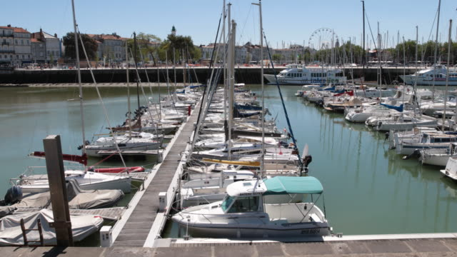 la rochelle in france - 桟橋点の映像素材/bロール