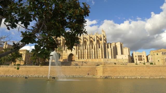 vídeos y material grabado en eventos de stock de ws la seu catedral de palma de mallorca - catedral