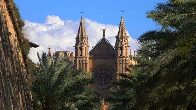 la seu cathedral, palma de mallorca, majorca, balearic islands, spain - palma stock videos & royalty-free footage