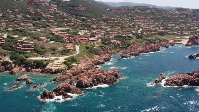 la sorgente di costa paradiso - spiaggia stock videos & royalty-free footage