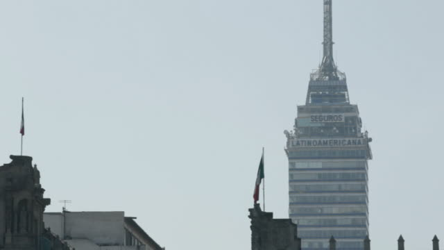 la torre latinoamericana - torre latinoamericana stock videos & royalty-free footage