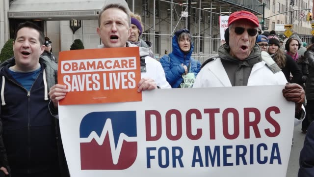 vídeos y material grabado en eventos de stock de labor unions and professional associations join forces to protest on 5th avenue near president donald trump's home new york state nurses association... - medicare