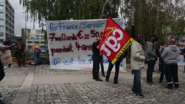 labor unions protest air franceklm restructuring plans at air france headquarters at charles de gaulle airport in roissyenfrance iledefrance france... - downsizing stock videos & royalty-free footage