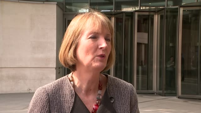 labour backs eu referendum by 2017 england london bbc broadcasting house ext harriet harman mp interview sot we're saying that now let's get on with... - itv weekend lunchtime news点の映像素材/bロール