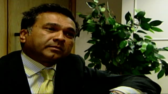 labour cashforhonours scandal to be investigated dr chai patel sat in chair for interview slow dr chai patel interview sot we have a commission which... - キャシー・ニューマン点の映像素材/bロール