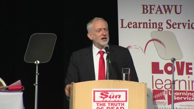 jeremy corbyn mp speech to the bakers' union conference england lancashire southport int jeremy corbyn mp speech at bfawu conference sot - southport england stock-videos und b-roll-filmmaterial