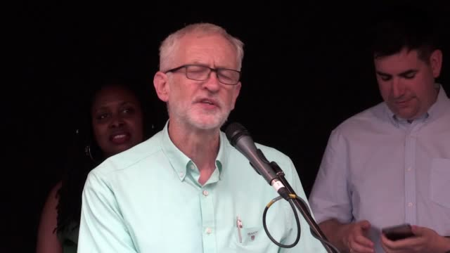 stockvideo's en b-roll-footage met labour leader jeremy corbyn addresses crowds in parliament square following boris jonson's election as tory leader and prime minister mr corbyn spoke... - house of commons