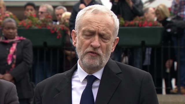 labour leader jeremy corbyn talks about jo cox who was murdered in her home constituency - jo cox politikerin stock-videos und b-roll-filmmaterial