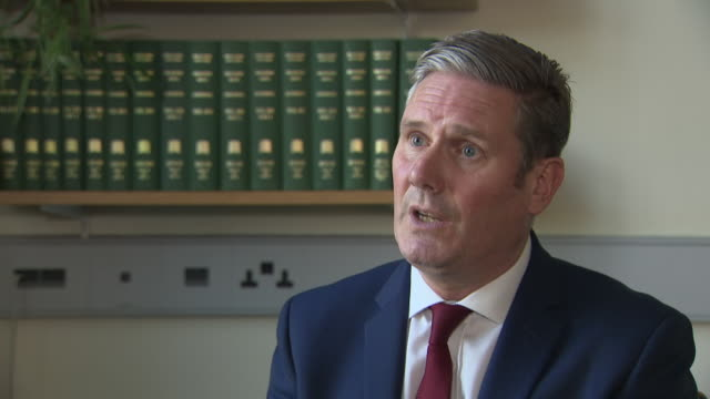 """labour leader keir starmer saying """"we need quick, decisive action on a national scale from the prime minister"""" as the second wave of coronavirus... - 映像技法点の映像素材/bロール"""