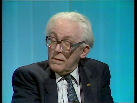 "labour leader michael foot interview; scotland: glasgow: cms michael foot intvw sof: ""yes it has -- that there's no alternative"" video 2 way via stv... - アラステア・バーネット点の映像素材/bロール"
