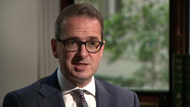 owen smith enters contest england london ext owen smith mp arriving at building for interview owen smith mp interview sot i fear there is a split on... - owen smith politician stock videos & royalty-free footage