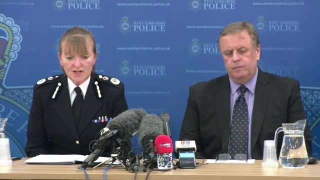 suspect tommy mair chief constable dee collins into press conference with colleague/ photography** chief constable dee collins press conference sot... - jo cox politician stock videos and b-roll footage