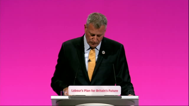 labour party annual conference: bill de blasio speech; bill de blasio speech sot - on growth of campaign / in a matter of months went from few... - number of people stock videos & royalty-free footage