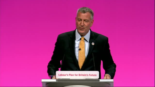 vidéos et rushes de labour party annual conference: bill de blasio speech; bill de blasio speech sot - one thing that will benefit you in the months ahead and those in... - prime minister