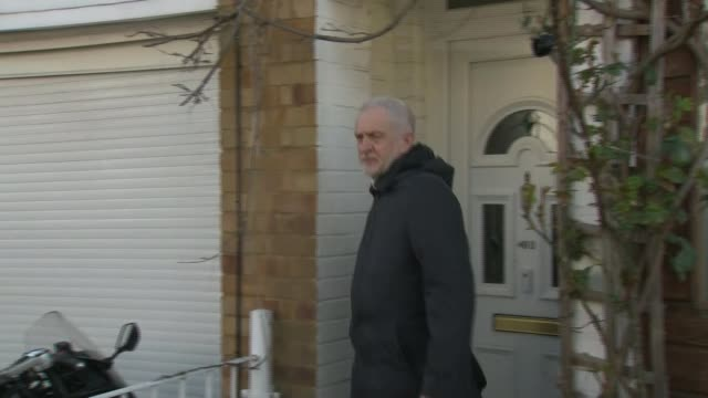 Corbyn issues detailed apology after pressure from MPs and Jewish groups London Islington Jeremy Corbyn MP along from front door to car