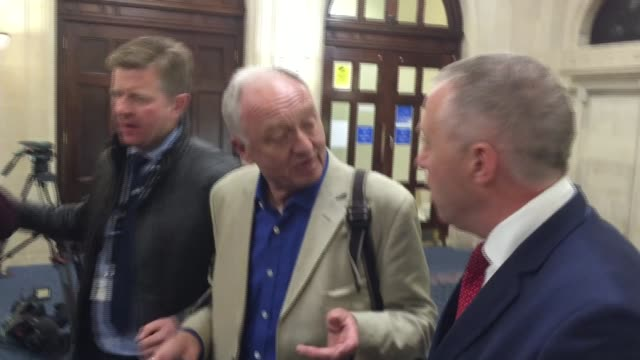 stockvideo's en b-roll-footage met ken livingstone suspended after hitler comments london ken livingstone along to bbc tv studios talking on mobile phone as labour mp john mann follows... - ken livingstone