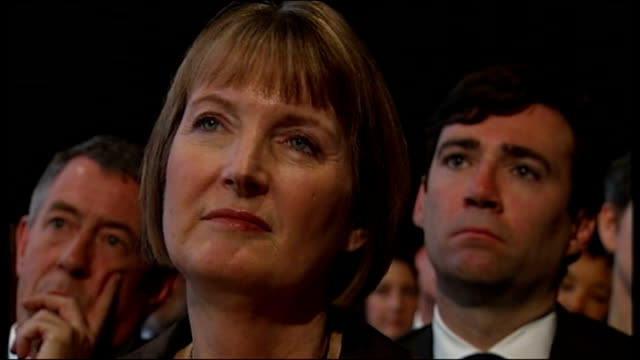 vídeos de stock e filmes b-roll de ed miliband keynote speech cutaway harriet harman mp - harriet harman