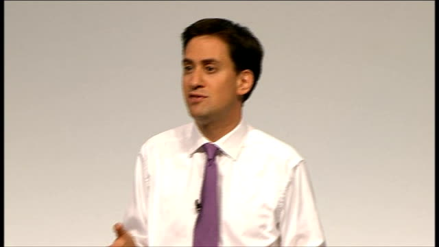 ed miliband takes part in qa session twitter questions appearing on screen and eddie izzard looking up at them ed miliband reading twitter questions... - avoidance stock videos & royalty-free footage