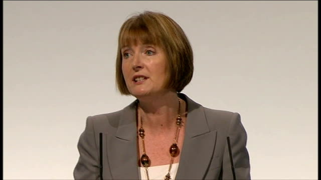 labour party conference 2011: harriet harman speech / end of conference songs; harman speech sot - the two eds both acknowledged - what we all know -... - 50 seconds or greater stock-videos und b-roll-filmmaterial