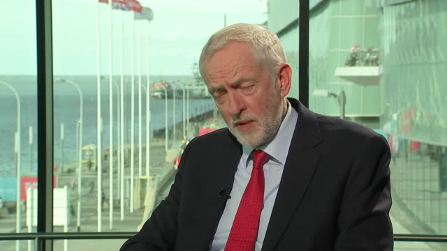 stockvideo's en b-roll-footage met brexit jeremy corbyn interview england merseyside liverpool int jeremy corbyn mp interview sot - britse labor partij