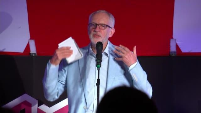 vídeos de stock e filmes b-roll de jeremy corbyn speech at the world transformed event england east sussex brighton jeremy corbyn speech sot - east sussex