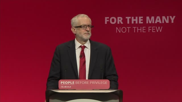 vídeos de stock e filmes b-roll de jeremy corbyn speech uk brighton labour party leader jeremy corbyn mp speech to 2019 labour party conference england east sussex brighton the... - east sussex