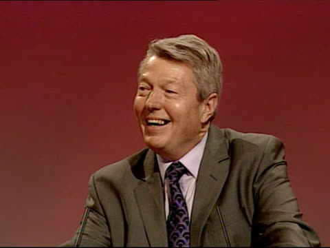 labour party conference: alan johnson speech; england: dorset: bournemouth: int alan johnson mp sitting next gordon brown mp alan johnson mp mounting... - week video stock e b–roll