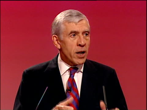 "vídeos de stock e filmes b-roll de labour party conference: jack straw speech; straw speech sot - conference, enforcing the law, securing justice, is not just a matter for ""them"" -... - magna carta documento histórico"