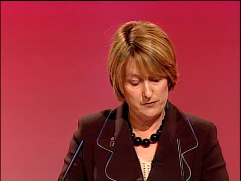 labour party conference: jacqui smith speech; jacqui smith speech sot - in britain, we will always welcome those who need our protection or who have... - エマ・トンプソン点の映像素材/bロール