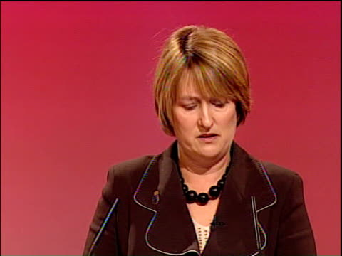 vídeos de stock e filmes b-roll de labour party conference: jacqui smith speech; jacqui smith speech sot - with local police stats that give a clear picture of what's happening in our... - 50 seconds or greater