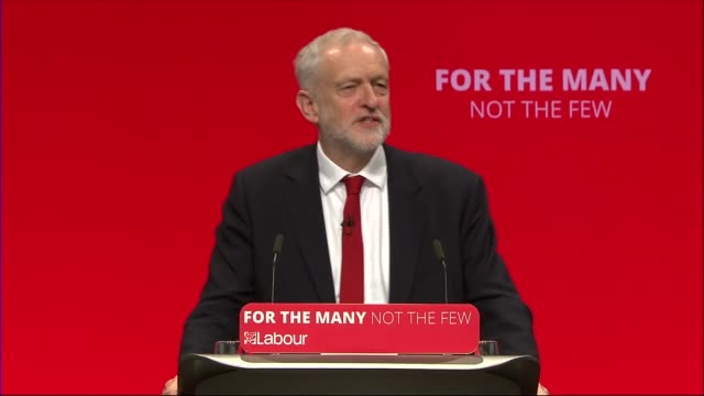 jeremy corbyn speech jeremy corbyn mp arriving / delegates chanting 'oh jeremy corbyn' sot jeremy corbyn mp speech sot re labour's success / labour's... - elezioni generali video stock e b–roll