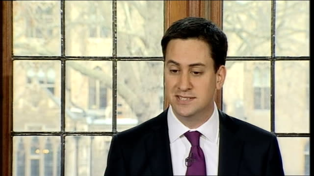 ed miliband holds first monthly press conference; question - do you accept you have struggled to make an impact miliband answer sot - like to thank... - politics and government点の映像素材/bロール