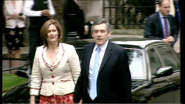 labour party funding scandal: electoral commission refer case to the police; lib england: london: downing street: ext gordon brown mp with his wife... - gordon brown stock-videos und b-roll-filmmaterial
