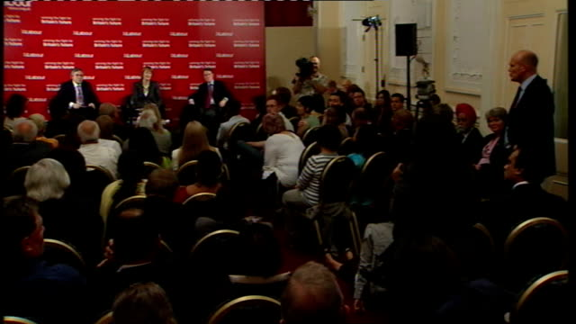 gordon brown speech to labour activists in west ham more questions from audience sot gordon brown response sot important points about minimum wage... - ウェストハム・ユナイテッドfc点の映像素材/bロール